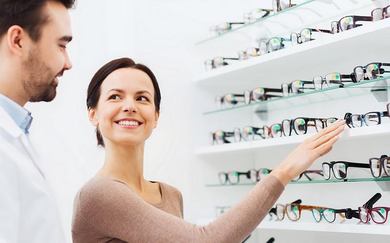 Széles szemüvegkeret választék